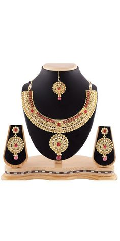 Women's Creative Necklaces in Red And Gold Color.