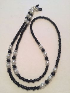 Simple Elegance Black Swarovski and Glass Pearl Beaded Eyeglass Chain Holder Glass Necklace, Diy Necklace, Beaded Anklets, Beaded Jewelry, Diy Glasses, Memory Wire Jewelry, Swarovski Pendant, Eyeglass Holder, Simple Elegance
