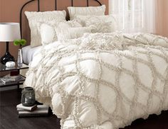 - Welcoming Bedding, I just want to cuddle in it