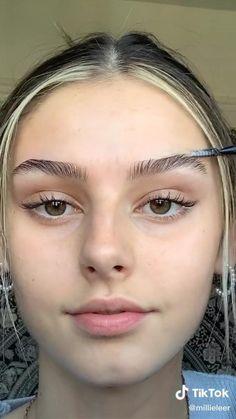 Eyebrow Makeup Tips, Edgy Makeup, Cute Makeup, Pretty Makeup, Skin Makeup, Eyebrow Cut, Eyebrow Growth, Eyebrow Shapes, Mod Makeup