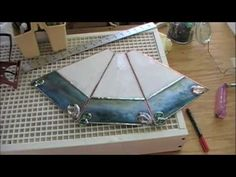 The making of a stained glass lamp - YouTube