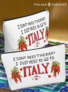 Italian clutch bag Italian Summer, Fb Page, My Fb, Italian Fashion, Drink Sleeves, Clutch Bag, Lisa, Therapy, Joy