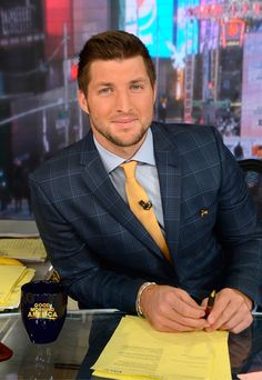 Tim Tebow's TV Career Is Taking Off: Former NFL Player Joins Good Morning America as Contributor | E! Online Mobile