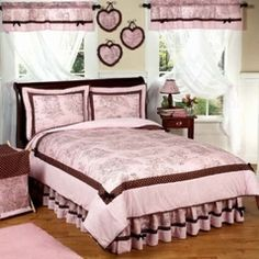 """Pink and Black Sophia Teen Bedding  3 pc Full / Queen Set """"I want to win a children's set from http://beyond-bedding.com."""""""