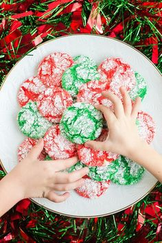 Christmas Crinkle Cool Whip Cookies are a blast to make with the kids!Everyone loves these easy Christmas cookies, just be ready to get a little messy! Christmas Deserts, Best Christmas Cookies, Holiday Cookies, Christmas Candy, Holiday Treats, Christmas Treats, Christmas Recipes, Holiday Parties, Holiday Recipes