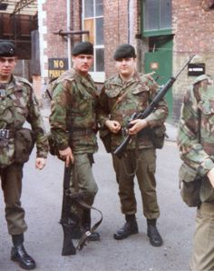 OB British Army Uniform, British Soldier, Military Gear, Military History, Northern Ireland Troubles, British Armed Forces, British English, Royal Marines, War Photography