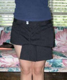 Image from http://www.craftster.org/pictures/data/500/35355pantsfrontpleatsresize.jpg.