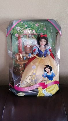 Disney Princess Magical Moments Porcelain Doll Collection Brass Key Snow White | eBay