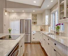 Дизайн столешницы в светлой кухни - фото 1