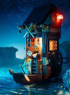Lego Minifigure Display, Lego Ninjago Minifigures, Legos, Lego Studios, Lego Humor, Lego Wallpaper, Lego Boat, Lego Sculptures, Lego Pictures