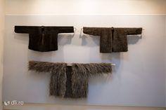 Blana (Uios) expuse la Muzeul Tarii Oasului din Negresti Oas, judetul Satu Mare Romania, Tourism, Costumes, Traditional, Beautiful, Turismo, Dress Up Clothes, Fancy Dress, Travel