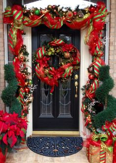 There is a great deal of Christmas door decorating thoughts for each home. Whatever topic or style you have at home, there is two or three extraordinary Christmas door decorating thoughts for you. Doors have been among the most famous… Front Door Christmas Decorations, Christmas Front Doors, Tree Decorations, Christmas Wreaths, Holiday Decor, Christmas Stairs, Christmas Home, Christmas Lights, Christmas Crafts