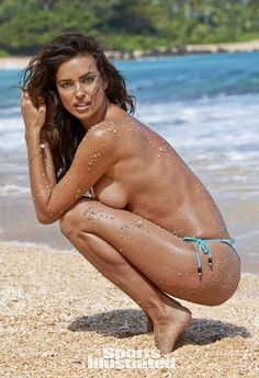 See photos of model Irina Shayk in this year's Sports Illustrated Swimsuit issue. Irina was photographed in Kauai Hawaii by photographer Yu Tsai Irina Shayk, Swimsuits 2014, Sports Illustrated Models, Swimsuit Edition, Si Swimsuit, Beach Bunny, Russian Models, Poses, Lany