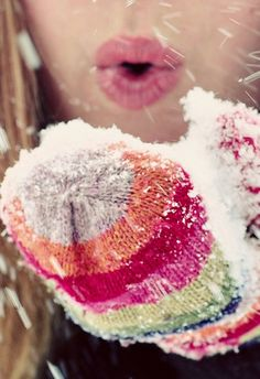 blowing me a kiss in the snow #MonShowroom