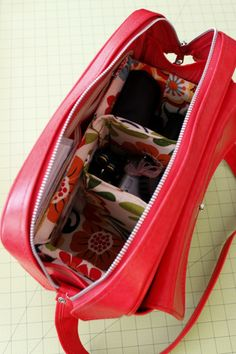 camera bag insert diy - but don't put your expensive camera in a leather camera bag!