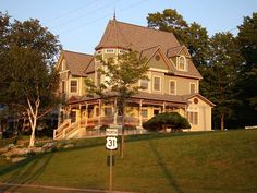 Petoskey mi and bay view victorian houses petoskey 20 re sized jpg