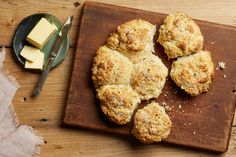 Cracked Black Pepper Pull-Apart Biscuits