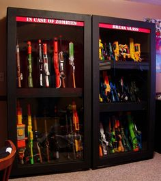 Looking to successfully store your child's Nerf gun collection? Here are some amazing Nerf gun storage solutions including an easy Nerf gun peg board hack. Nerf Gun Storage, Toy Storage, Storage Ideas, Weapon Storage, Storage Solutions, Pistola Nerf, Gun Cases, Toy Rooms, My New Room