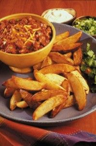 Delicious potato recipes provided by Potatoes USA. Learn why potatoes are the number one side-dish vegetable. Find fast, simple recipes to more advanced potato dishes. Potato Recipes, Veggie Recipes, Healthy Recipes, Game Recipes, Veggie Meals, Healthy Meals, Yummy Recipes, Garlic Roasted Potatoes, Baked Garlic