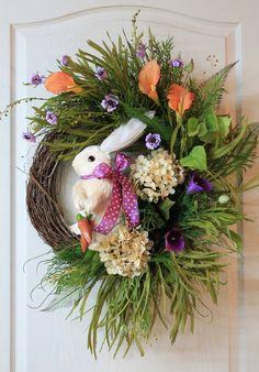 Пасхальный заяц венок, соломы Bunny, гортензии, лилии, травы, папоротники, дикие цветы