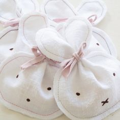 Mini Hasentasche DIY Diy Pinterest, Bunny Party, Diy Mode, Diy Ostern, Miffy, Treat Bags, Quality Time, Easter Crafts, Happy Easter