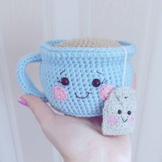 This cute crochet cow amigurumi is super soft and huggable! Create a friendly crochet cow using our step-by-step Cuddle Me Cow Amigurumi Pattern. Crochet Diy, Crochet Food, Crochet Gifts, Crochet Pincushion, Quick Crochet, Crochet Quilt, Crochet Bear, Crochet Granny, Crochet Patterns Amigurumi