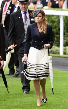 Princess Beatrice of York Hangs With Kate Middleton, but Her Style's on Another Level Your Sailor Outfit Doesn't Have to Be Serious — Dazzle Them With Your Shoes Princess Beatrice wore Poppy Delevingne x Aquazzura shoes at the Royal Ascot in Best Suits For Men, Princess Beatrice, Princess Eugenie, Princess Diana, Sailor Outfits, Sarah Ferguson, Poppy Delevingne, Tuxedo Dress, She Girl