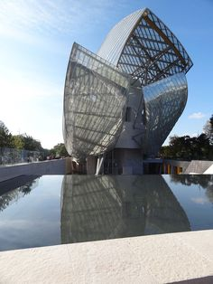 The reflecting pool is at one with the Zen-like atmosphere of the Foundation—which, despite its size, manages to stay calm and uncluttered.More on the new museum:Preview: Frank Gehry