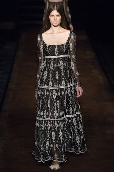 Erdem Spring 2016 Ready-to-Wear Fashion Show - Gaby Loader