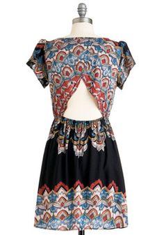 same dress... back view: triangular cutout crossover back