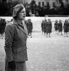 Gatteschi Fondelli Piera  (Poppi, 1902 – Roma, 1985) è stata una militare italiana, generale di brigata del Servizio Ausiliario Femminile della Repubblica Sociale Italiana. Fascista della prima ora, partecipò alla Marcia su Roma e fu una delle prime donne militari della storia moderna.    #TuscanyAgriturismoGiratola