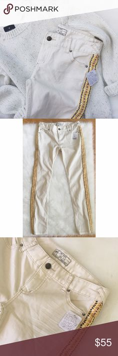 •NWT• FP Off-White Skinny Ankle Jeans• NWT Free People Ivory Skinny Jeans with Side Embroidery.    →Color: Ivory or Off White(jeans), orange, yellow, maroon and ivory stitching on the side.  →Size: 27 with a 27 inch inseam. The model photo is a bit blurry, but it shows the fit of the jeans.  →No trades(comments will politely be ignored). →15% off 2+ items  Free People Jeans Skinny