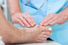How to Treat A Broken Toe? A broken toe can make life miserable as it may not allow to walk or even sit still. Learn here about the symptoms, treatment and remedies to treat a broken toe. Broken Big Toe, Turf Toe, Bunion Remedies, Get Rid Of Bunions, Bunion Surgery, Bunion Relief, Gout Relief, Pain Relief, Health Care
