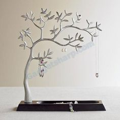 Jewellery Stand - love how this one has that cherry blossom / bonsai kind of look.  I know what I mean ;-) #tree #jewellery #metal #decor