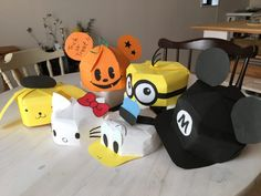 Character of drawing paper Character of hall DIY ♪ Halloween costume ♪ Easy way to make various hats from Disney to Sanrio ♪ Let's make costumes for Halloween with handmade costumes ⑨ Halloween Crafts For Kids, Crafts For Kids To Make, Kids Crafts, Diy And Crafts, 3d Paper Crafts, Paper Toys, Diy Paper, Easy Halloween Costumes, Halloween Diy