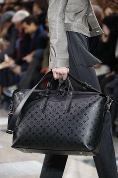 Catwalk photos and all the looks from Louis Vuitton Autumn/Winter 2016-17 Menswear Paris Fashion Week