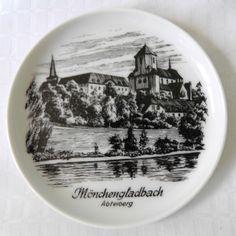 KAISER Germany Abteiberg Monchengladbach Tourist Present China Trinket Pin Dish