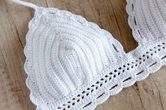 Crochet blanco Bikini Top  Top de Bikini Halter por LaKnitteria