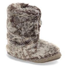 Women's Bedroom Athletics 'Cole' Faux Fur Slipper Boot ($55) ❤ liked on Polyvore featuring shoes, slippers and snowy owl