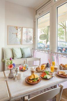 DE Hamburg, Die Pampi Café: ganztägig Frühstück und zugehöriger Möbel- und Dekoladen nebenan