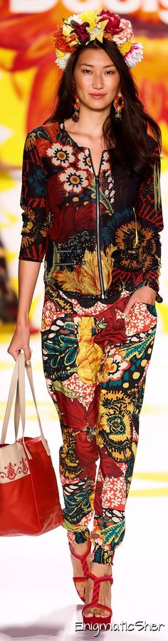 Desigual Spring Summer 2015 Ready-To-Wear // Couldn´t feel comfortable in this mess of colours....