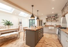 This lovely Victorian home in Farnborough chose Zigzag herringbone wood floors in natural oak with a lacquered and brushed surface for their new kitchen extension Country Kitchen Flooring, Kitchen Island Decor, Home Decor Kitchen, Home Kitchens, Kitchen Design, Kitchen Ideas, Kitchen Floors, Boho Kitchen, Open Plan Kitchen Living Room