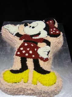 Minnie Mouse Shaped Cake by melissatarun via Flickr Sweetest