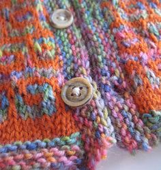 f. pea: knitting how-to: sewing a button very, very securely