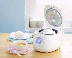 How to Use a Rice Cooker, A Step-by-Step Guide.  Hi, In this post I would like to show you a step by step guide how to use a rice cooker. At the beginning, I'll briefly discuss how rice cooker works. Then I'll show you how to cook white rice and other stuff. Finally, a few words on how to wash this type of device. Enjoy :)