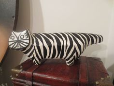 Vintage RARE Raymor Bitossi Italy Art Pottery CAT Figurine. Striped  black/white