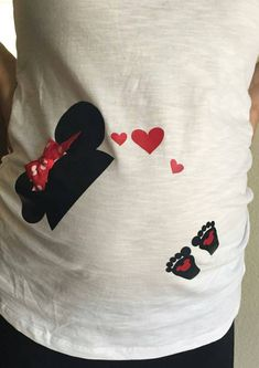 Iron on for maternity shirt, disney mickey or minnie mouse hat with baby footprints. Mickey Mouse, Minnie Mouse Baby Shower, Baby Mouse, Disney Mickey, Disney Cars, Pregnancy Shirts, Maternity Shirts, Maternity Jackets, Disney Maternity