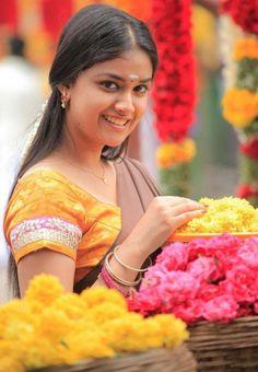 Keerthi Suresh saree stills in Rajini Murugan Movie 3 Anupama Parameswaran, Celebrity Gallery, Half Saree, Indian Celebrities, Cute Faces, Film Movie, Actress Photos, Hd Photos, Beauty Photography