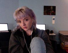 Marie Venezia is an 18-year-old art student who hails from Phoenix, Arizona.