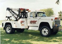 6wd drive F600 and a Holmes 600, unique with the AWD setup .Karps Texaco in Greenwich used to have the same setup only the Ford wrecker was red